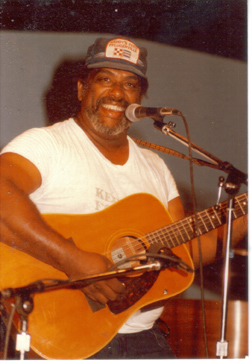 Bill Moss onstage - photo by Merrilu Park